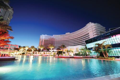 fontainebleau-hotel-miami-beach-hd-wallpapers